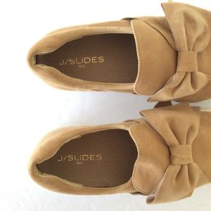 J-Slides Bow Shoes - Size 8.5 - Used